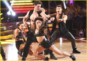 Meryl and Maks, DWTS S18, Week 7 Salsa with Troupe